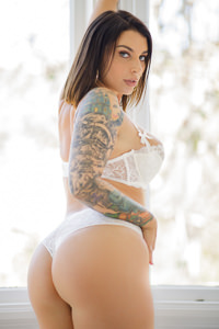 Picture of Ivy Lebelle