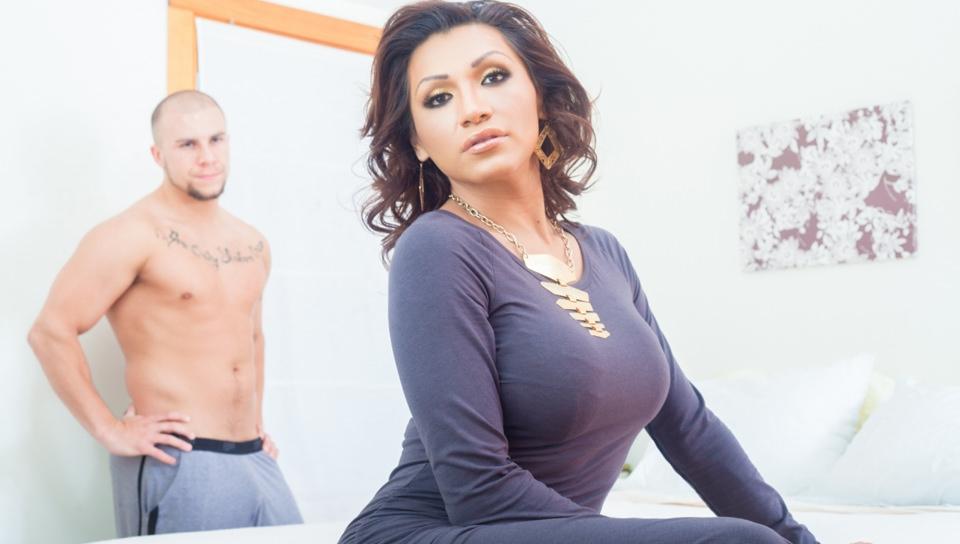 Jessy Dubai, TS Superstar, Scene #01