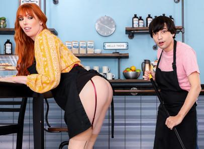Stepmom Likes It Up The Ass - Lauren Phillips & Ricky Spanish