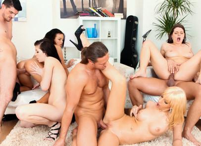 I Love Orgies, Scene #01