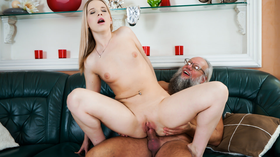 Bang Me Grandpa – Kiara Night