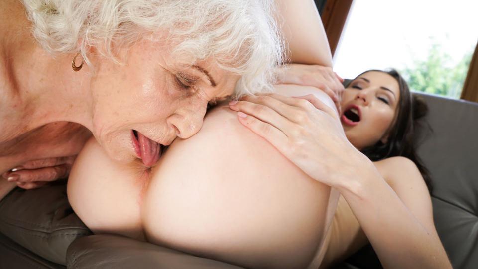 Ageless Love – Norma, Linda Love