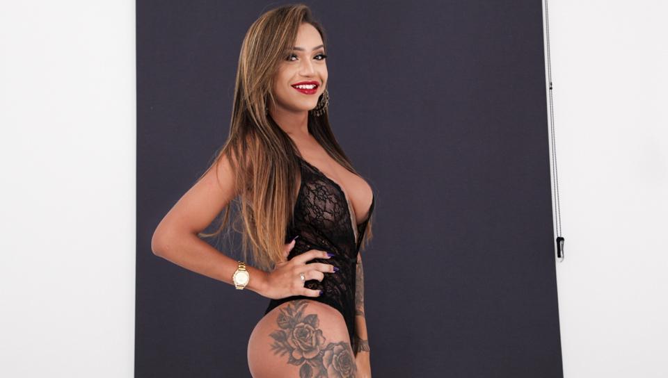 Isa Oliveira, Scene #01
