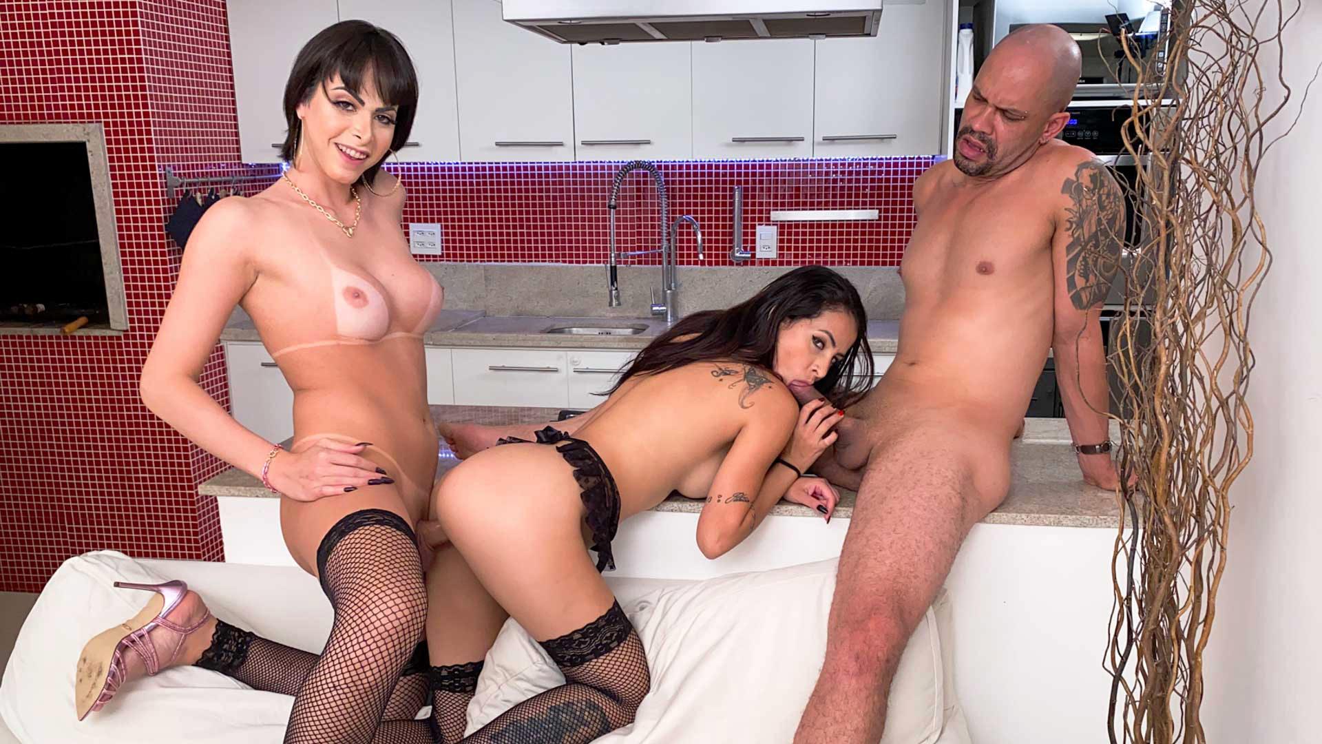 TS Barbara Perez + Cis Girl: Threesome