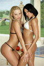 Silvia and Aneta Keys picture 3