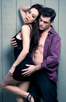 Sunday Valentina & Lance Hart Picture