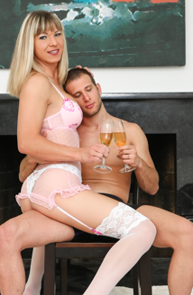 Transsexual Girlfriend Experience Picture